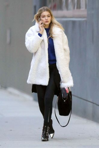 gigi-hadid-street-style-arrives-at-tribeca-photo-studio-december-2014_1